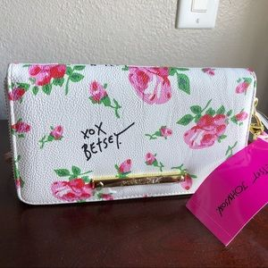 Betsey Johnson big style clutch wallet